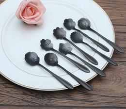 belles fleurs noires Promotion Cuillère en acier inoxydable en forme de fleur noire La cuillère à café Steam Rose tournesol etc belles fleurs New fantaisie vaisselle