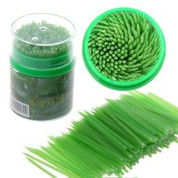 Wholesale Toothpick Korean - Wholesale-Beige Green Korean Crystal Corn Starch Toothpick Mondadientes Edible Eco-Friendly Green 200pcs in Plastic Box Free Shipping