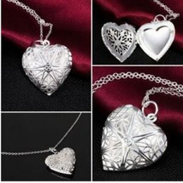 Wholesale opened box pendant - 2016 new fashion love heart-shaped necklace can play an open photo pierced woman through a small box with flower necklace