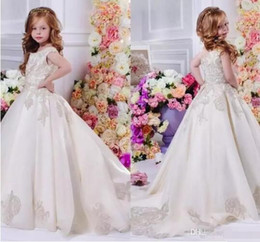 Wholesale Pretty Long Dresses For Kids - 2017 Pretty Floral Lace Flower Girl Dresses For Wedding Ball Gowns Pageant Dresses Long Train Little Kids Flower Girl Dress For Weddings