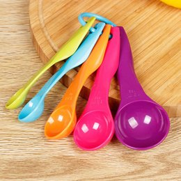 Wholesale Measure Tools - 5PCS Kitchen Measuring Spoons Measuring Cups Colorful Spoon Cup Baking Utensil Set Kit Creative Measure Tools