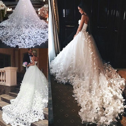Wholesale Plus Size Couture Wedding Dresses - Speranza Couture 2018 Princess Wedding Dresses with Flowers And Butterflies in Cathedral Train Arabic Middle East Church Garden Wedding Gown