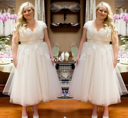 Wholesale Fashionable Plus Size Wedding Dresses - New Design Plus Size Wedding Gowns A Line Short Sleeve Knee Length V Neck Bridal Dress Sash Custom Made Tulle White Ivory Fashionable