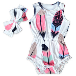 Wholesale Feathered Clothing - Cute Baby Clothes Feather Printed Baby Girls Bodysuit Set Sleeveless Pom Western Girls Clothing Factory Girls Sunsuit with Bow