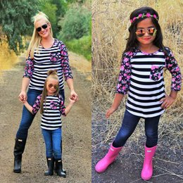 Wholesale Break Shirt - spring autumn family clothes outfits 2017 ins hot mommy and daughter striped broken flower T shirt mom and me clothes sets