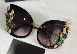 Wholesale Sunglasses Flowers - 2017 Luxury Designer Womens Cat Eye Flowers Diamond Sunglasses Black Grey Gradient Special Design Sunglasses Brand New with Case Box