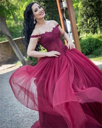 Wholesale thin simple wedding dresses - Burgundy Lace Appliques Off Shoulder Tulle Wedding Dresses within Thin Straps Ball Gowns with Color Bridal Dress robe de mariage
