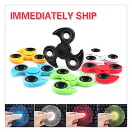 Wholesale Colorful Shipping Boxes - Colorful Fidget Spinner Fingers Spinner Fidget Quality Hand Spinner Plastic Bearings Toys With Retail Box One Day Shipping