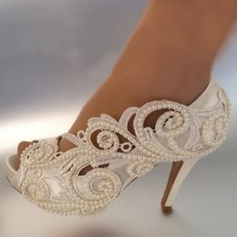 Canada Chaussures Femmes Pompes Sexy sexy toes soie et satins dentelle mariée chaussures mariée et mariée robe de mariée perle chaussures à talons hauts pearl open toe wedding shoes for sale Offre
