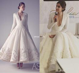 Sonam kapoor robes de soirée en Ligne-Sonam Kapoor dans Ashi Studio 2017 Blanc Vintage Robes De Soirée De Soirée Longueur Col en V Manches Longues Moyen-Orient Arabe Occasion Robes De Bal