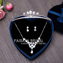 Wholesale Design Crystal Drop Necklace - 2016 Fashion Design Flowers Crystal Bride 3pcs Necklace Earrings Tiaras Crowns Bridal Wedding Jewelry Sets Accessories for Women