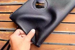Wholesale Supporting Letter - 2017 new Fashion Men's Handbag Casual Style Black Leather High Quality Support Large wholesale size 28 * 18 * 3 letter decoration