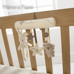 ours musicaux Promotion Vente en gros - Bébé mignon Mobile musical Crid Bed jouet nouveau-né ours peluche peluche hochets pour poussette bébé jouets 0-12 mois