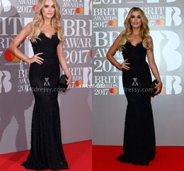 Wholesale Cheap Award Dresses - Black Lace Celebrity Evening Gowns Sheath Sweetheart Backless Floor Length Sleeveless 2017 Cheap Brit Awards Party Dress Long Prom Gowns