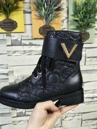 Wholesale Womens Flat Tassel Boots - 2017 new Arrivals fall Fashion Womens Army green black Genuine Leather lace up with gold buckle strap short biker Martin Ankle boots