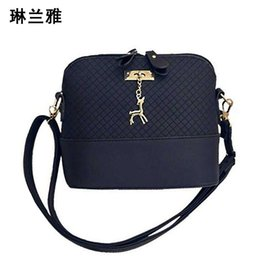 Wholesale cell phones shell shapes - Wholesale- HOT SALE!2016 Women Messenger Bags Fashion Mini Bag With Deer Toy Shell Shape Bag Women Shoulder Bags