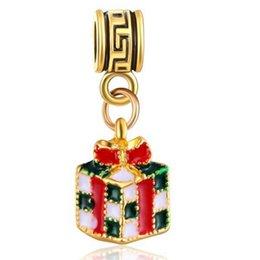 Wholesale Beautiful Necklace Boxes - Wholesale 20pcs lot Beautiful Christams Gold plated Gift Box Design Alloy metal Dangle DIY Charms fit European Bracelet & Necklace Low Price
