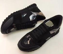 Botas tachonadas online-Mujer Hombre Boot Star Zapatos con tachuelas Malla de cuero Camuflaje Zapatos con tachas Combo Estrellas Rock Runner Zapatos con cordones metálicos Tachuelas