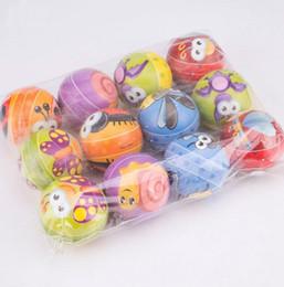 Nueva estrés de fútbol pelota de esponja Relax emocional del monstruo de Halloween Bolas de juguetes blandos balones de deporte 10 estilos de 6,3 cm / 2.5inches desde fabricantes
