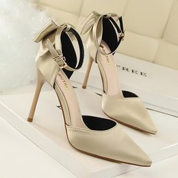 Wholesale Women Satin Sandals - High heels new satin bow women's singles shoes fine with pointed high heels word with sandals red wedding shoes