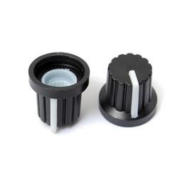 Boutons chauds en Ligne-Plus récent Vente chaude 100 Pcs 6mm Arbre Trou Dia En Plastique Fileté Potentiomètre Boutons Caps