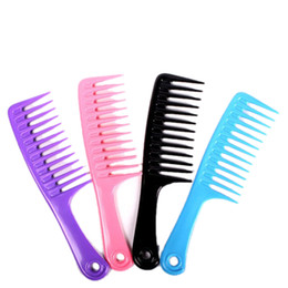 Wholesale Hair Tooth Comb - Wholesale- Candy Colors 23.8cm Handgrip Barber Hairdressing Haircut Comb Plastic Wide Tooth Hair Combs Hairstyle Color Random
