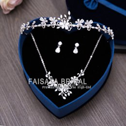 Wholesale Silver Crown Pendant Rhinestones - Bling Bling 2017 Wedding Bridal Accessories Set Bridal Crowns Matching Earrings and Pendant Necklace Sets High Quality In Stock