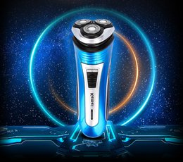 Wholesale Electric Man Shaver - Men Comfortable Rechargeable Triple Floating Heads Electric Razor Shaver Beard with Trimmer EU Plug +B
