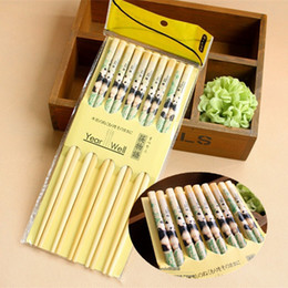 Wholesale Chopstick Bamboo - 5 pairs of chopsticks all 10 pieces of clothes of tourist souvenirs in Sichuan panda bamboo chopsticks tableware gift bags.