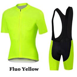 Fluo radfahren trikot online-Fluo Yellow PRO Radtrikot Kurzarm und Radsport-Trägerhose setzt Kurzarm Herren Radsportbekleidung Fahrradtrikot Ropa Ciclismo