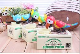2019 banco de comer dinero Cute Cartoon Automated Parrot eating Coin Bank alcancía Money Saving Box Regalos para niños para Navidad banco de comer dinero baratos