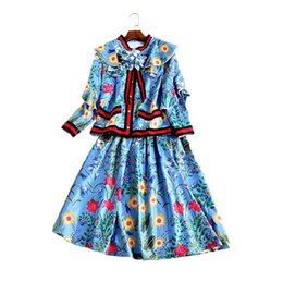 Wholesale Print Mid Calf Skirts - The new Europe and the United States women's 2017 spring Runway looks printed flower jacket pleated skirt silk two-piece outfit