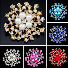Wholesale Snow Brooch - Bridal Brooch Crystal Rhinestone Snowflake Pearl Brooches Snow Flower Pins Brooch Women Jewelry Accessories Crystal Pins Christmas Gifts
