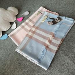 Vêtements de voyage en Ligne-Les hommes et les femmes à la mode portent une écharpe de coton automne printemps teints fil gland élégant style long châle de voyage féminin foulard en coton doux