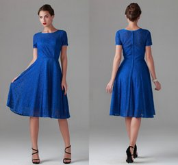 Wholesale Shorter Wedding Dresses For Boat - Cheap Mother of the Bridal Groom Dresses for Wedding Party Knee Length Short Sleeve Lace Boat Neck Summer Garden Beach Bridesmaid Dresses