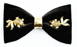 Wholesale Iron Ties - 2018 Bow knees men original design handmade Chinese gold goldfish show wuo groom best man bow gift box