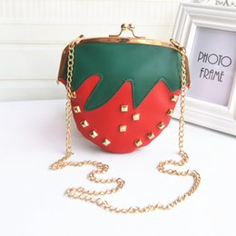 Wholesale Messenger Bags Personalized Fashion Strawberry Diagonal Bag Original Fruit Chain fun Clutch Backpack New Hot Good Quality