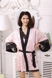 Kimono de encaje rosa online-Al por mayor-2017 de la manera Sexy Secret Kimono Albornoz Batas de seda suave para pijamas fiesta rosa a rayas de encaje Robe / ropa de dormir / Peignoire