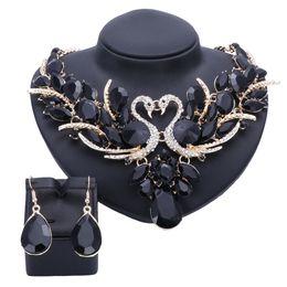 Conjuntos de joyería nupcial de cristal de moda cisne negro chapado en oro regalo de la boda del partido de baile collar pendiente accesorios conjuntos desde fabricantes