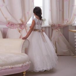 Elegantes niñas vestidos de fiesta online-Elegante encaje personalizado lindo niña pequeña flor vestidos palabra de longitud hecho a mano flores arcos Kids Prom vestidos de cumpleaños