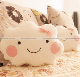 All'ingrosso ShanghaiMagicBox Cute Smile Clouds Cuscino peluche Cuscino Shy Girl Pink Bow Sweet Couch Cuscino 40814309 da