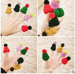 Wholesale Winter Hats Wholesale China - Wool mini little hat brooches pins corsage autumn winter sweater corsage restoring ancient ways
