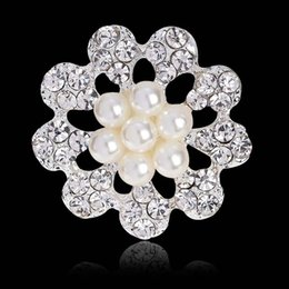 invitaciones de boda broche Rebajas Broches de diamantes de imitación de cristal para la invitación de la boda decoración de la torta Broche pernos kit de perlas de perlas insignias joyas de moda 170733