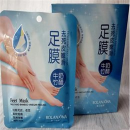 Wholesale Skin Care Peeling - Rolanjona Milk Bamboo Vinegar Feet Mask Peeling Exfoliating Dead Skin Remove Professional Feet sox Mask Foot Care