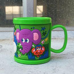 2019 beber copos por atacado Atacado-Customized Design Plástico Beber Leite Frio Canecas Para Crianças Copos 3D em relevo Elefante Copo De Água Com Tampas Drinkware beber copos por atacado barato