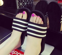 Wholesale Household Slippers - Summer Women Flats beach Shoes sandals female bathroom shower indoor flat base slippers cute striped woman household cool slippers