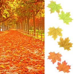 Décorations de mariage d'automne en Ligne-100pcs automne feuille d'érable en soie feuilles d'automne décorations pour faveur de mariage