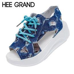 Al por mayor-HEE GRAND Denim cuñas sandalias con cordones Creepers sandalias de gladiador de verano zapatos de lona de la plataforma mujer peep toe mujeres zapatos XWZ2680 desde fabricantes