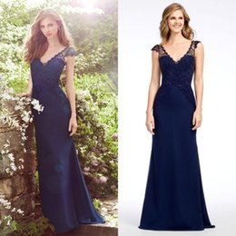 Wholesale Classy Backless Wedding Dresses - Classy Navy Blue Lace Bridesmaid Dresses Long Cheap Mermaid V-Neck Backless Wedding Guest Dress Floor Length Party Gowns