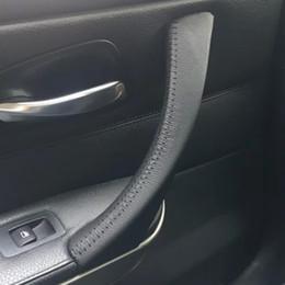 couro interior para automóveis Desconto tampa do punho de porta interior do carro de couro cru bmw 3 e90 e91 e92 e93 / 318 320 325 330 335 apoio de braço do carro para BMW Série 3